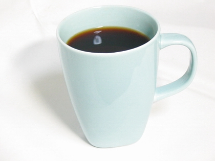 IKEAのシンプルかつチープなマグカップ。