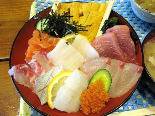 海鮮丼 2