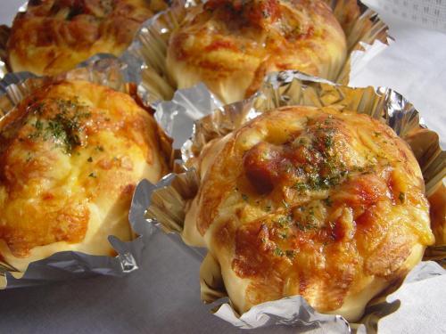 20100120チキントマト煮入りパン2