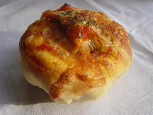 20100120チキントマト煮入りパン1