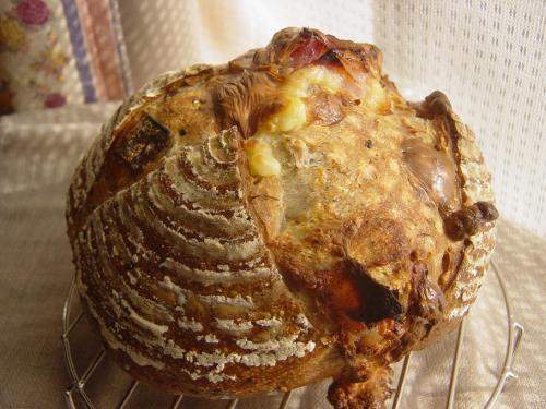 20100224ベーコンとチーズのセサミカンパーニュ