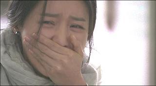 泣くソヨン