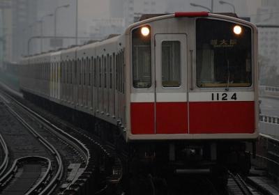 1124F 新大阪行