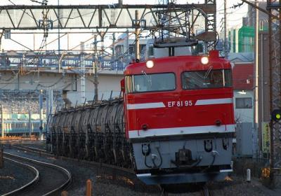 5781レ EF81-95+タキ