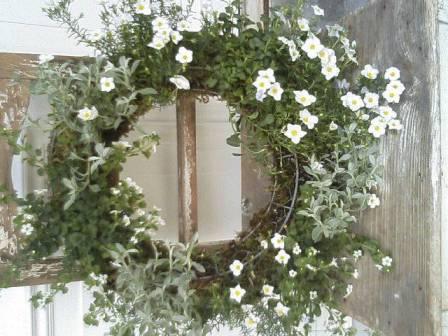 白い花のリース-1