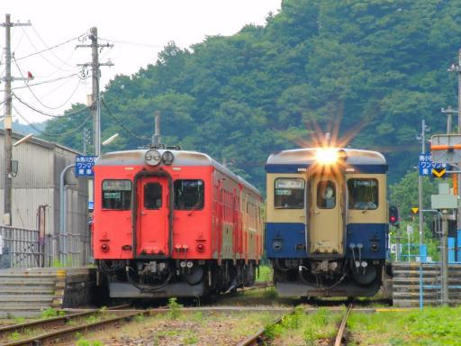 大糸線の車両(根知駅)