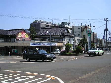 糸魚川駅前(東)