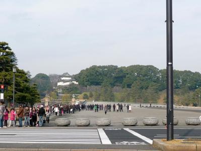 東京ぶらりひとり旅019二重橋前02