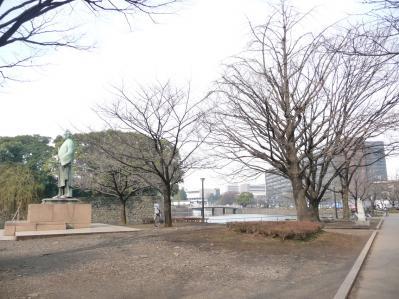2010.2.19-東京ぶらりひとり旅028和気清麻呂像(後に丸紅ビル)01