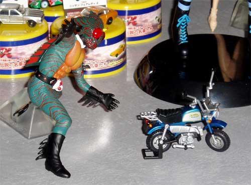 アマゾンとバイク2