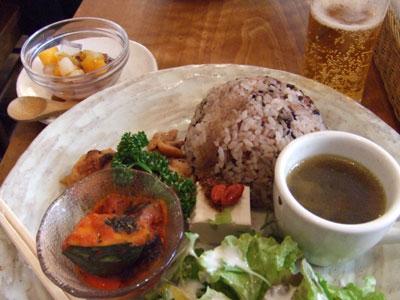 薬膳カレー&カフェ KA・KU・RA 香食楽(からく) プレートランチ