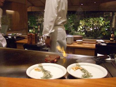 日航ホテル東京の鉄板焼き「銀杏」 ファイヤー