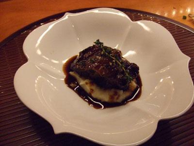 旬風URARA (しゅんぷううらら) 牛赤ワイン煮