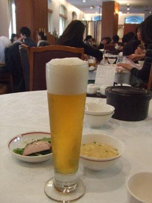 筑紫楼 広尾店 ビールで乾杯