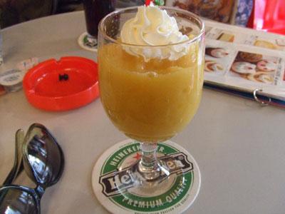 Rhythm Cafe (リズムカフェ) マンゴスムージー