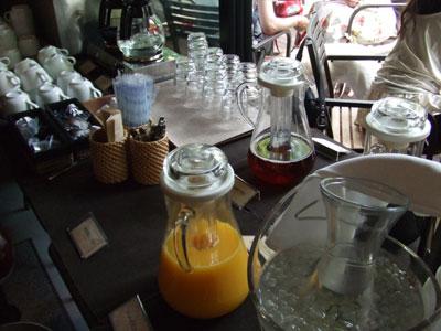 ALOHA TABLE(アロハテーブル) ドリンクコーナー