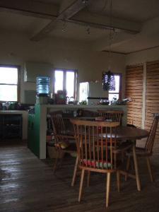 憧れだった丸いテーブルと広いキッチン
