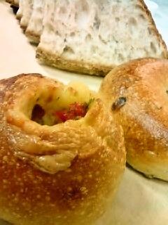 オニオンポテトパンとベーグル