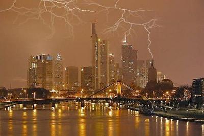 lightning03.jpg