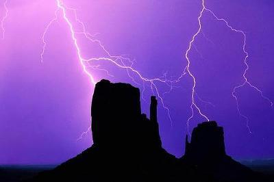 lightning23.jpg