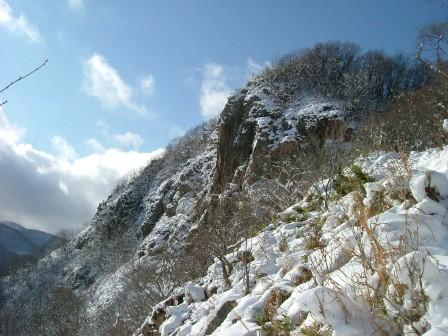 山頂直下の岩稜