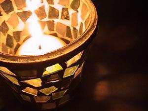 candleb01.jpg