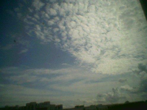 依然是天空