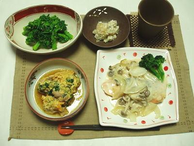 菜の花の辛し和え・鮭のクリーム煮・卵とじ