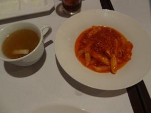 ペンネアラビアータとスープ
