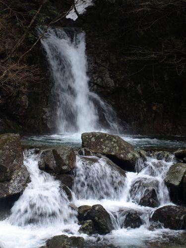 5和合の滝アップ