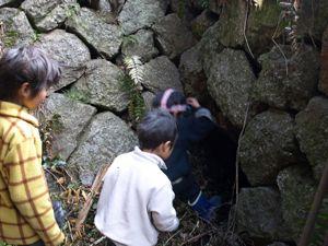 10次々と洞窟へ