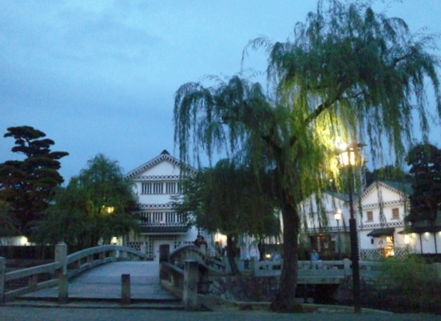 夕刻の中橋