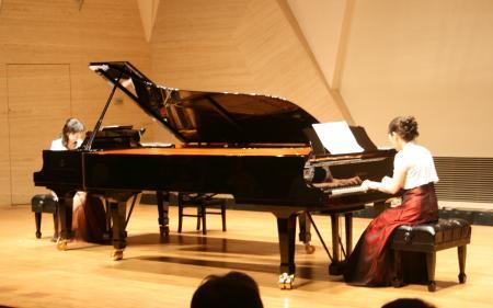 2台のピアノ
