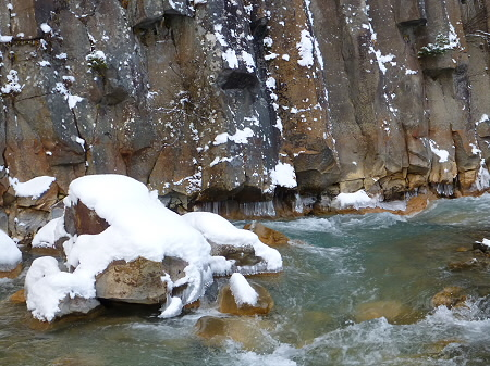 松川渓谷玄武岩08(2011.12.21)