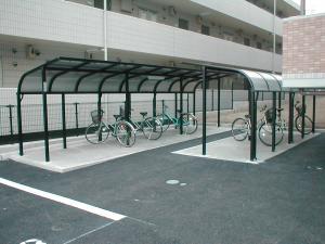 23 駐輪場2