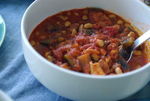 春の宴 豆のトマト煮