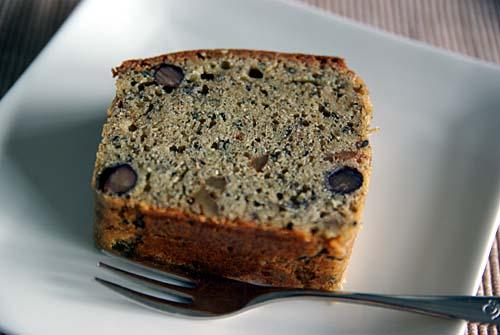 黒胡麻と黒糖と黒豆と胡桃のパウンドケーキ