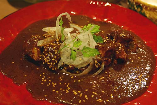 LA YUUKI ラ ユウキ LA遊季 鶏のモーレソース(チョコレートソース)