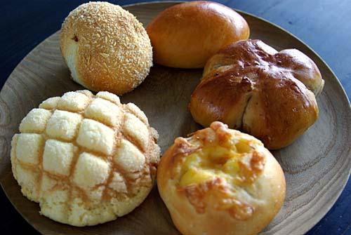 パンのおと メロンパン、チーズパン、クルミパン、クリームパン、カレーパン