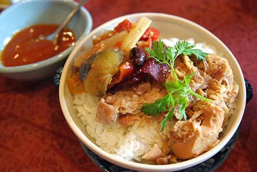 ティエン・コム・ベトナム 鶏肉のっけご飯 コムガー