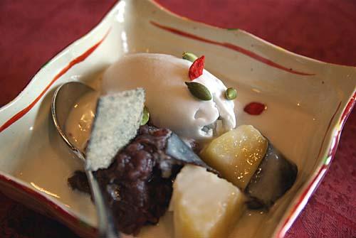 ティエン・コム・ベトナム サツマイモと小豆のチェー