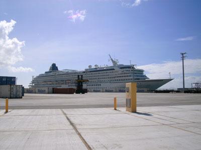 サイパン国際港