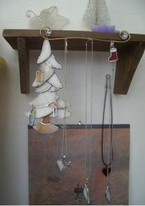 冬の木とネックレスたち