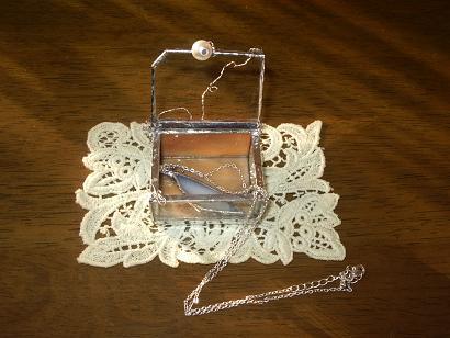 天使のネックレス入り小箱
