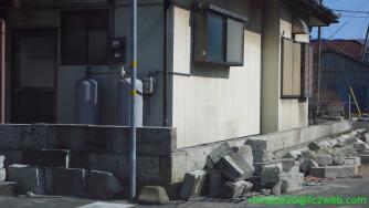 崩れたブロック塀: 東北地方太平洋沖地震