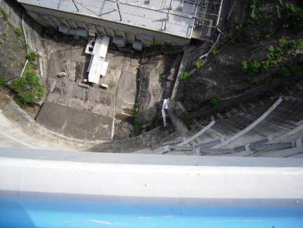 堤頂部(131m)