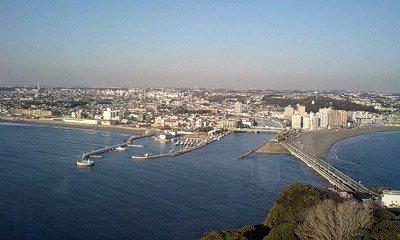 081228_1513~江ノ島の展望台から見た鎌倉付近