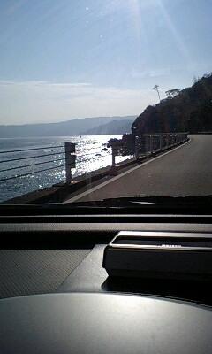 081229_1321~熱海に向かう途中車内より