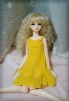 黄色ニット1