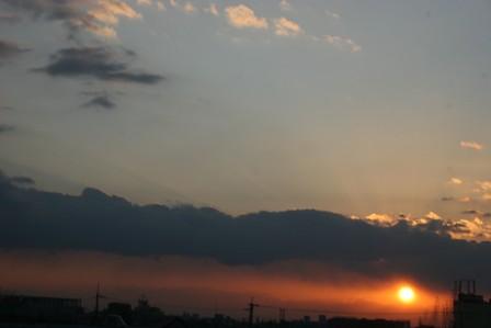 夕陽&日食らしい・・・